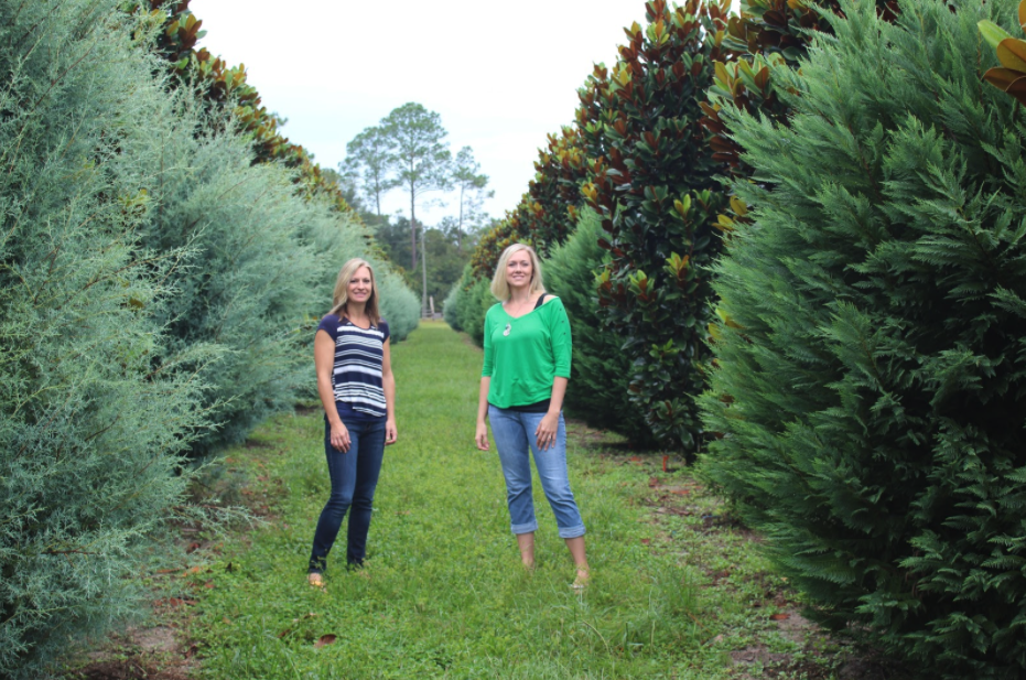 Alpha Fern Strickland Daughters Outside Among Greenery